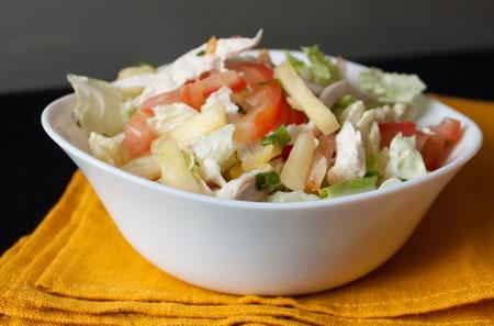 Куриный салат с репчатым луком